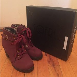 So free heel boots